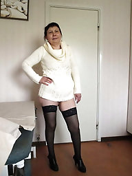 Ultra-sexy mature housewife is touching herself